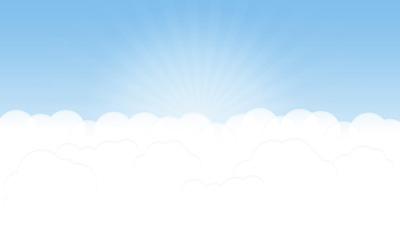 Облака на небе с восходящим солнцем