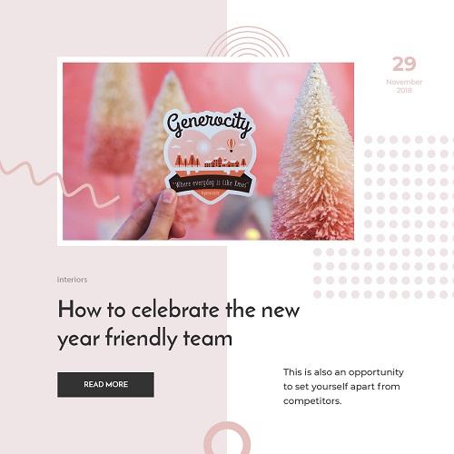 Легкая новогодняя открытка с разноцветными елочками