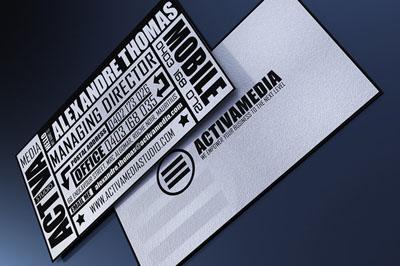 Необычная визитка черно-белого цвета