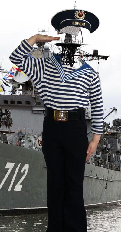 Детский макет с бравым моряком