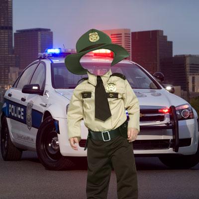 Детский макет с мальчиком-милиционером