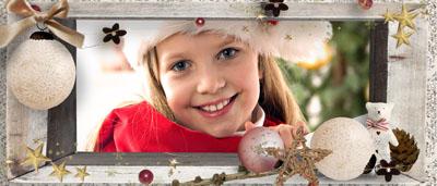 Кружка с новогодней рамкой и елочными игрушками