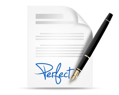 Лист бумаги с подписью и ручка